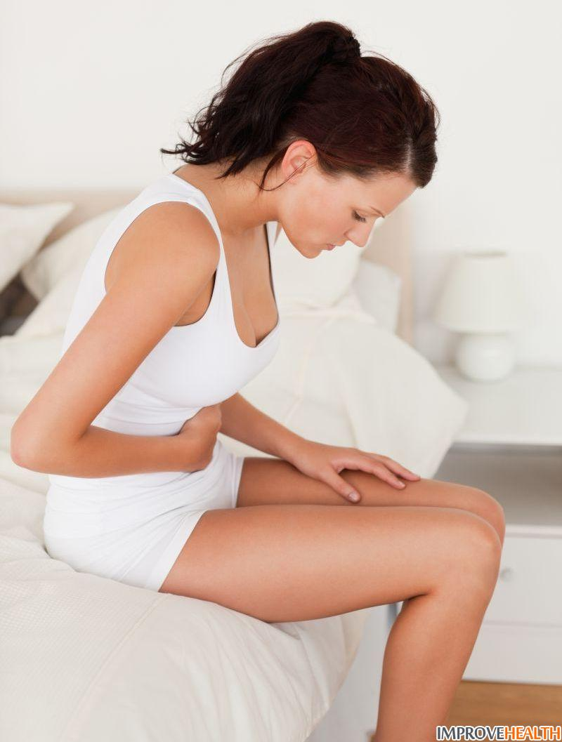 Цистит с кровью при мочеиспускании: лечение и причины