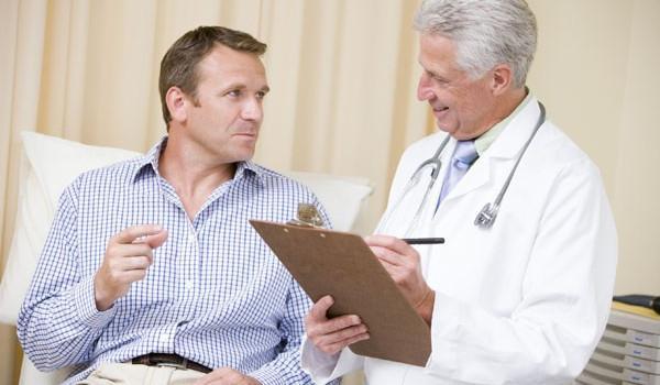 цистит у мужчин: визит больного к урологу